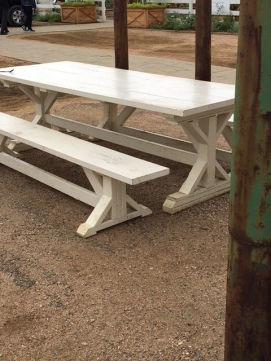 Plenty of Clint's picnic tables reminded me a little of the table on Season 1's Retro 70's makeover